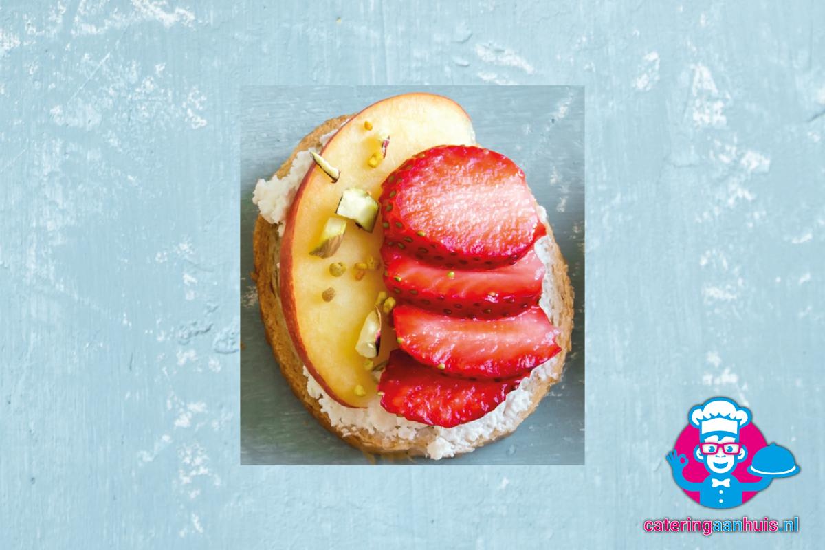 Canape apple aardbei gezond hapje catering aan huis