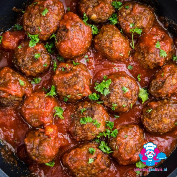 gehaktballetjes in tomatensaus catering aan huis