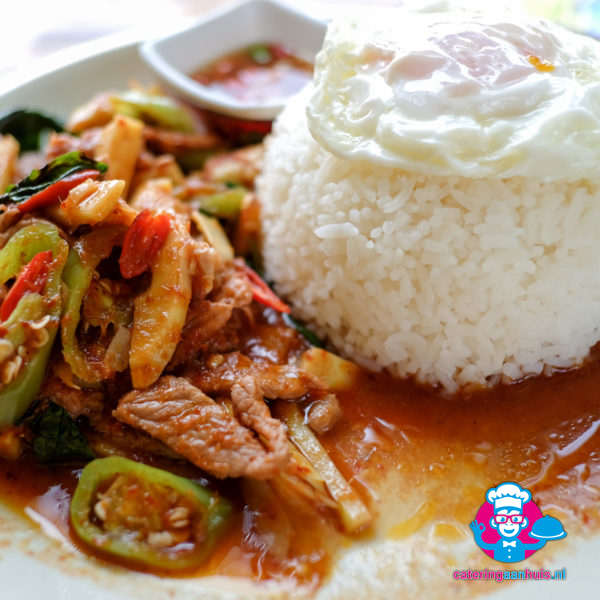 Gai pad prik gaeng - Aziatisch buffet - Catering aan huis