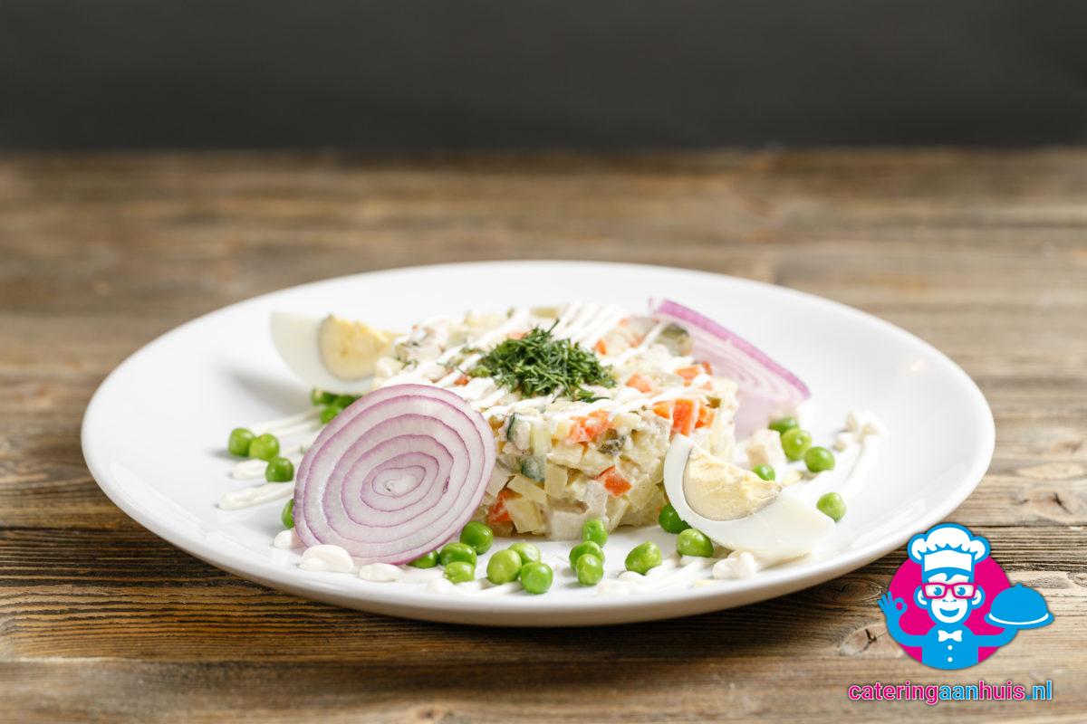 Huzaren saladeschotel bezorgen - Catering aan huis