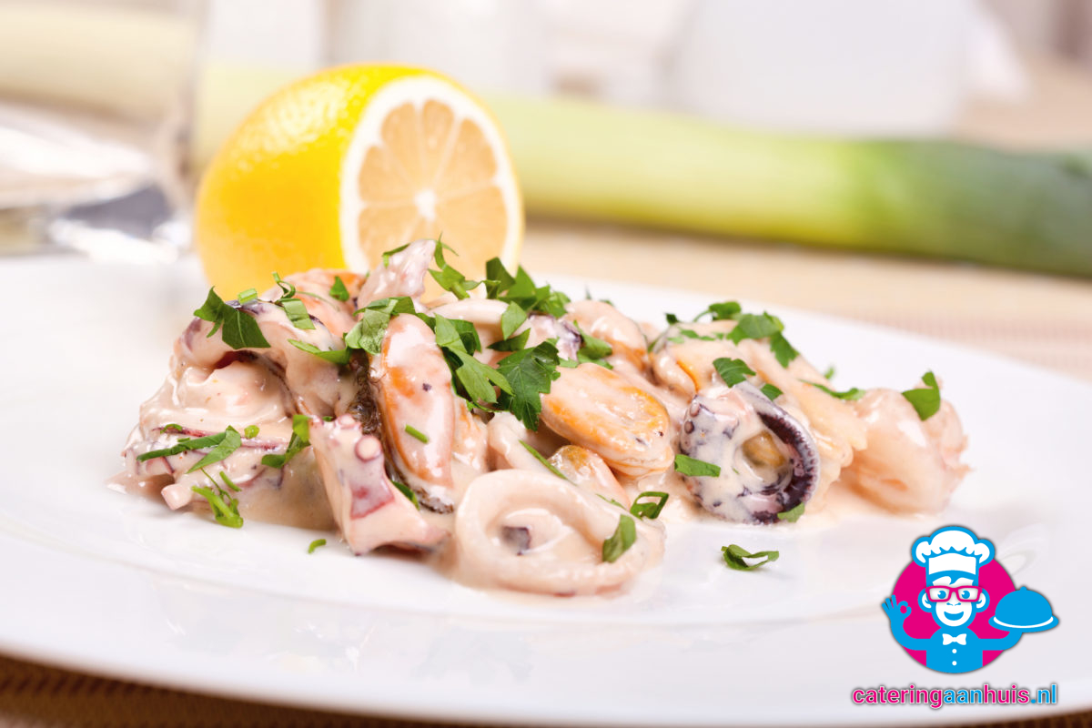 Zalm saladeschotel bestellen - Catering aan huis