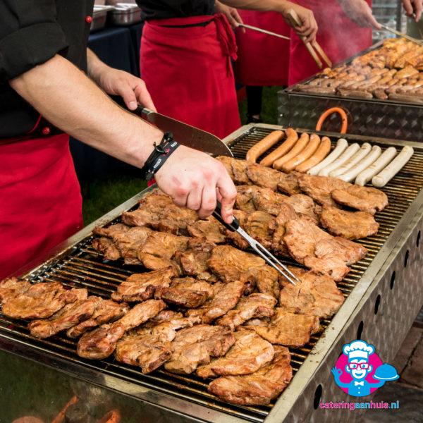 barbecue kok buffet populair - catering aan huis