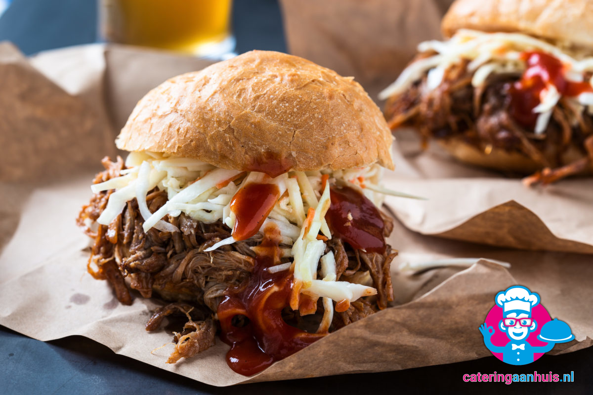 broodje pulled pork - Smoker barbecue - catering aan huis