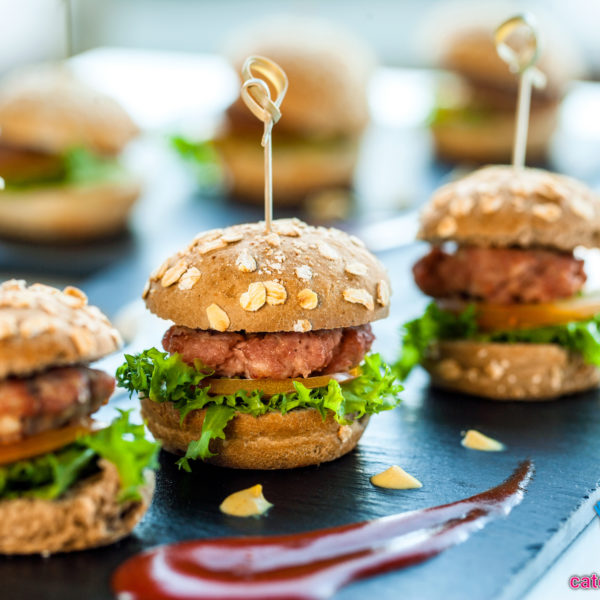 mini kipburgers hapjes catering aan huis