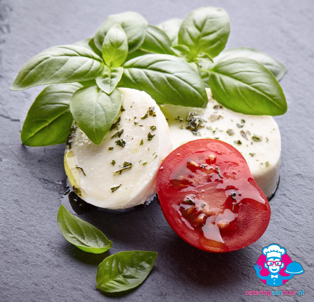 mozzarella tomaat caprese salade bestellen - Catering aan huis
