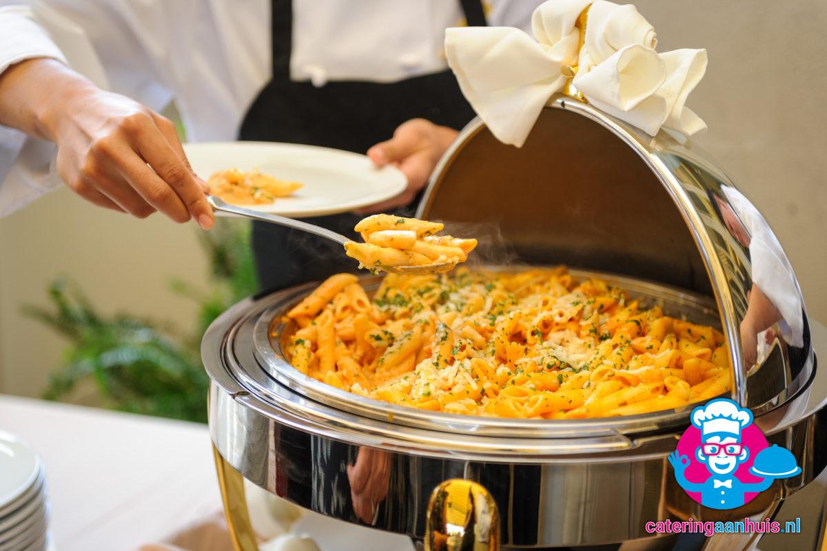 pastabuffet bestellen catering aan huis